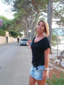 Marie-Hélène recherche un partenaire jeune