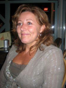 Maman divorcée de 44 ans, cherche un amant en journée