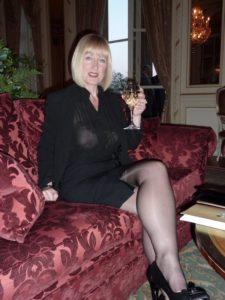 Mamie cougar désire une rencontre sexe