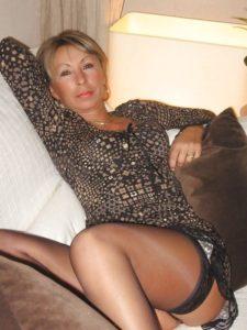 Femme mariée de 49 ans, bon standing pour relation extra-conjugale sur la durée