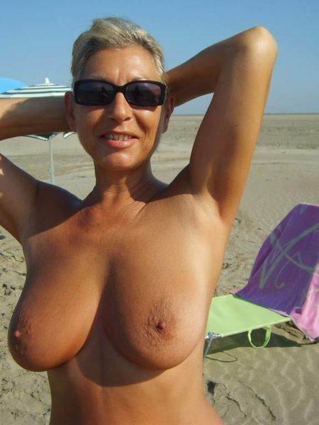 Belle femme divorcée, 47 ans, à nouveau prête pour un h libre