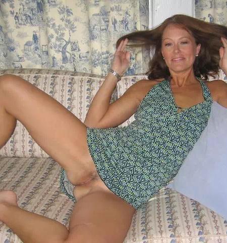 Je suis une cougar qui adore coucher avec des beaux gosses